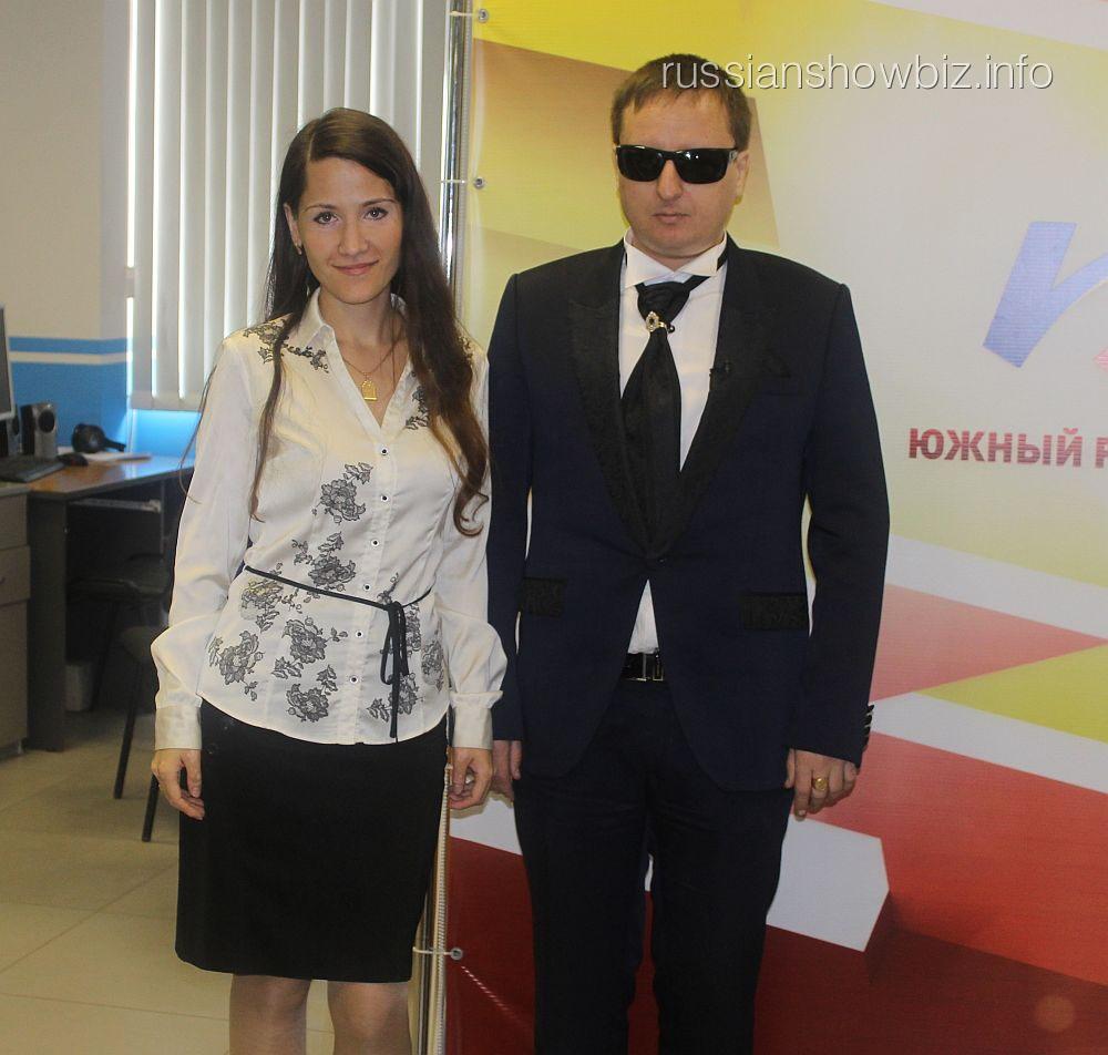 Виктор Тартанов с соведущей Каролиной Стрельцовой
