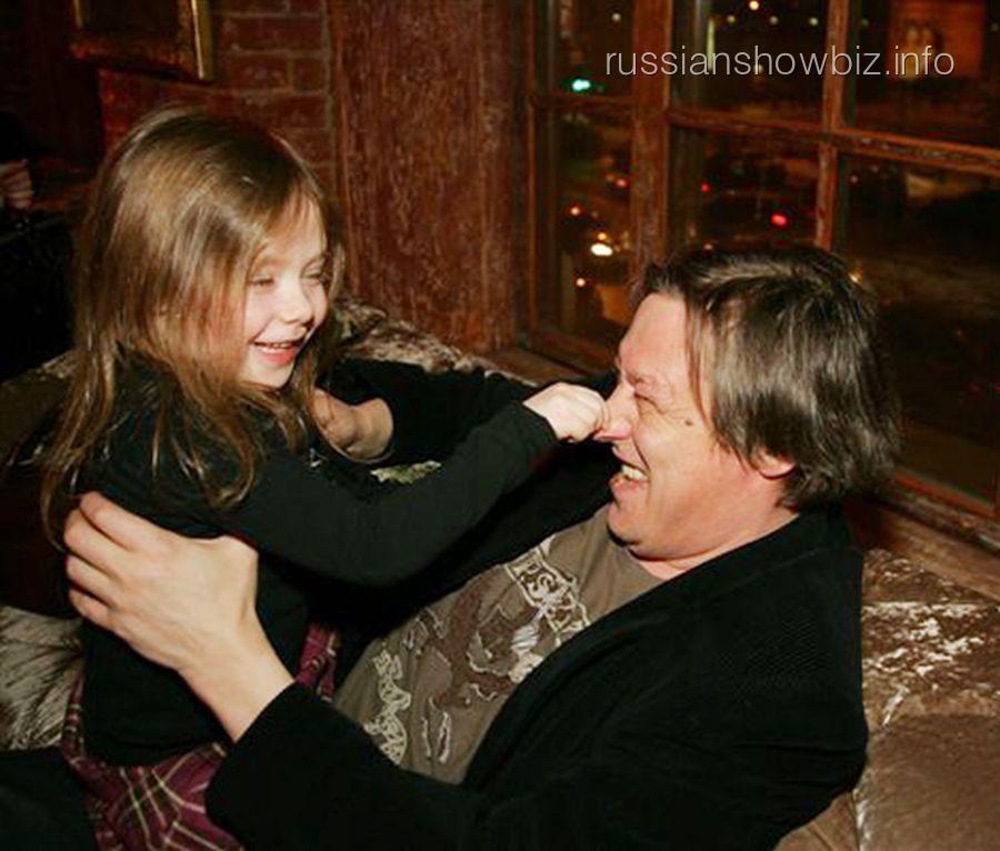 Михаил Ефремов с дочкой