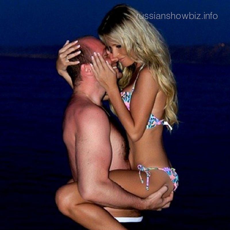 Дана Борисова с возлюбленным Алексеем
