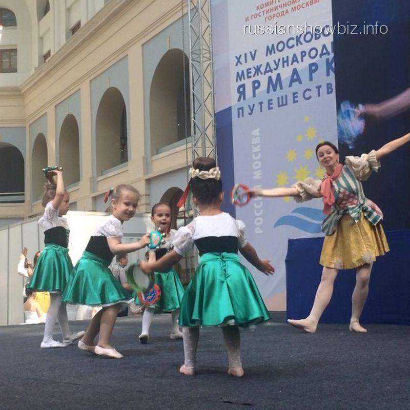 Дочка Ксении Бородиной на сцене