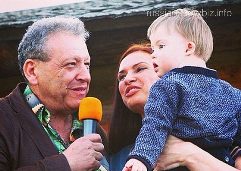 Борис Грачевский и Эвелина Бледанс с сыном