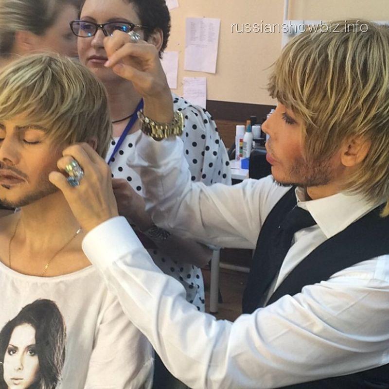 Сергей Зверев подготавливает Натали к выступлению