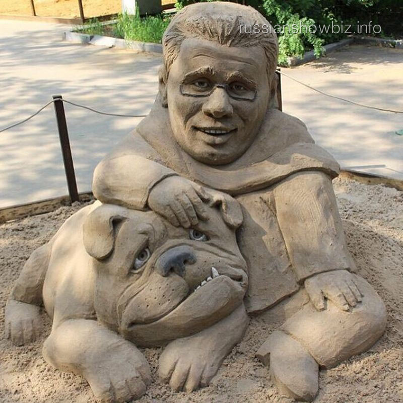 Памятник Гарику Харламову