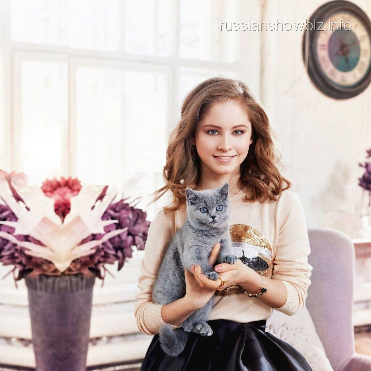 Юлия Липницкая (фото - Elle Girl)