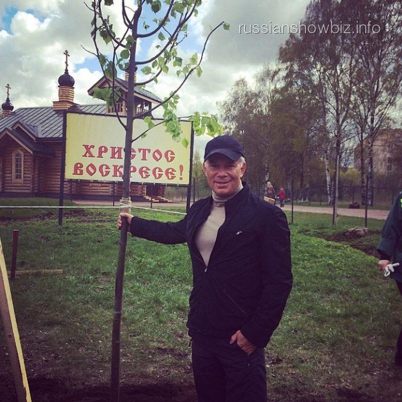 Олег Газманов и дерево победы