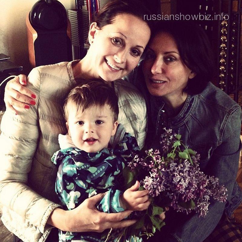 Ольга Кабо с сыном и Алика Смехова