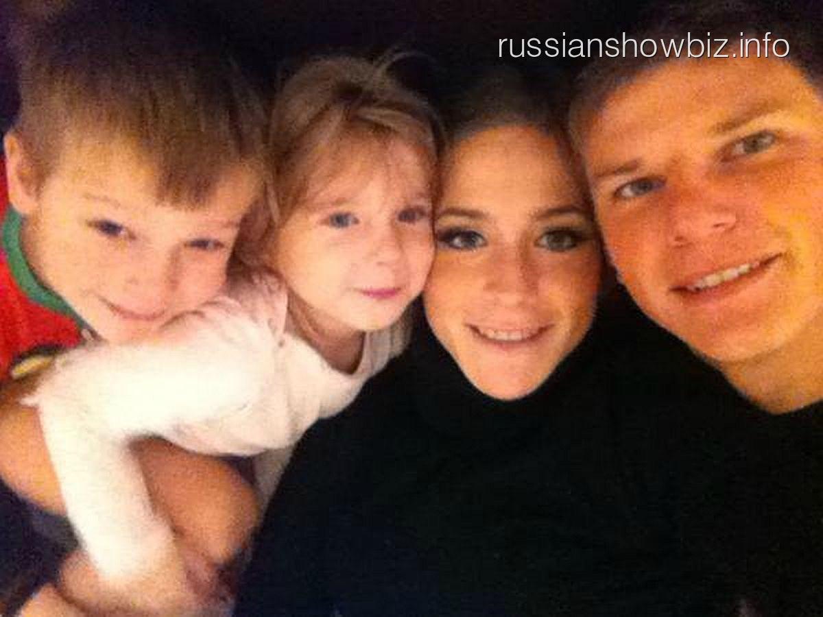 Андрей Аршавин с семьей