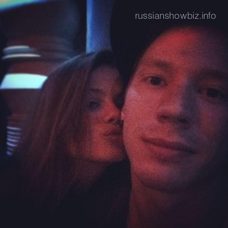 Никита Пресняков с новой девушкой