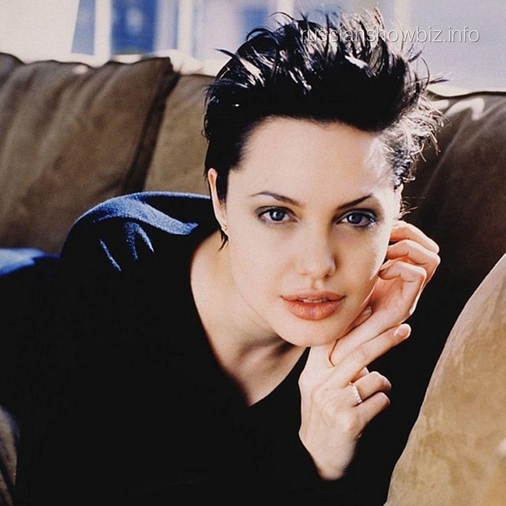 Анджелина Джоли в 1998 году
