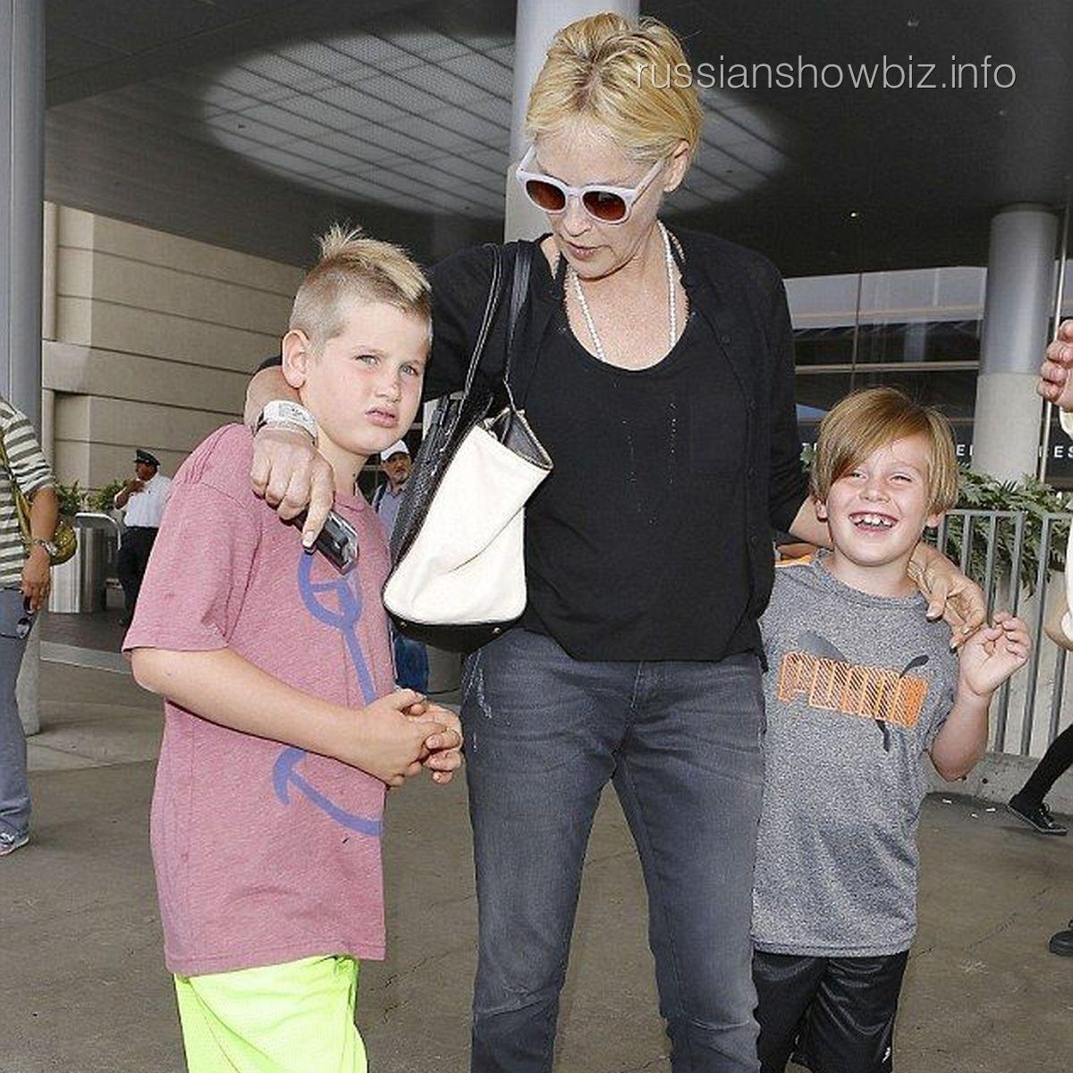 Шэрон Стоун с детьми