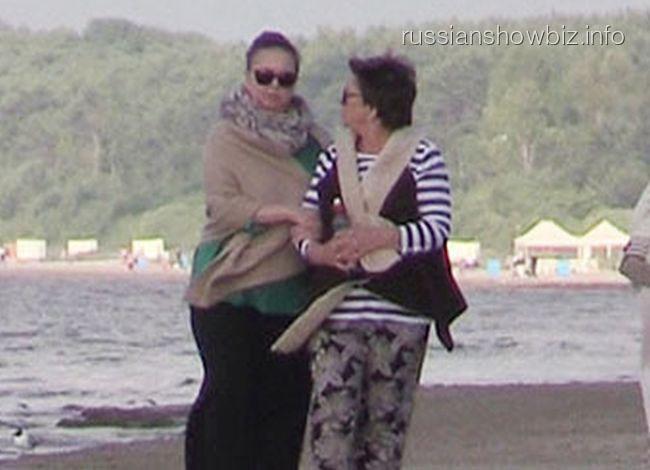 Жанна Фриске с мамой (фото - Super)