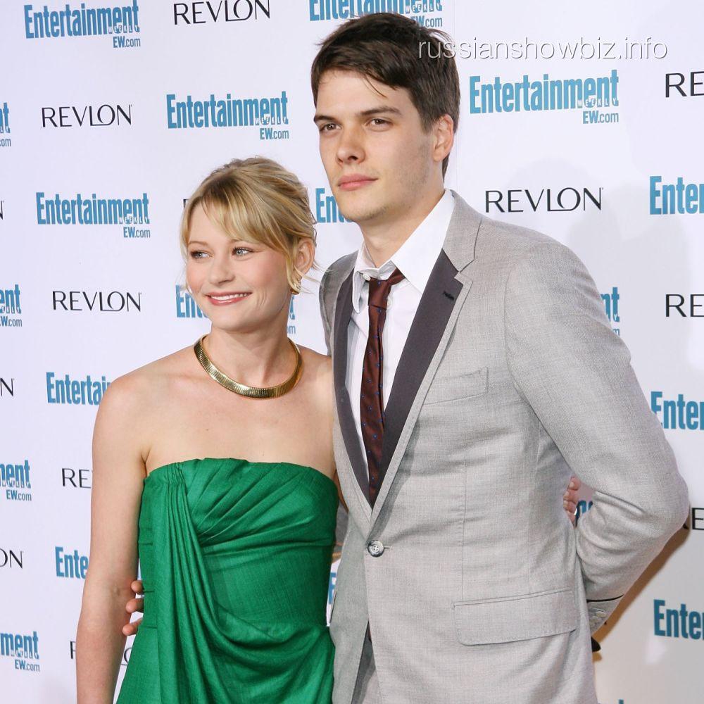 Эмили Де Рэвин с мужем
