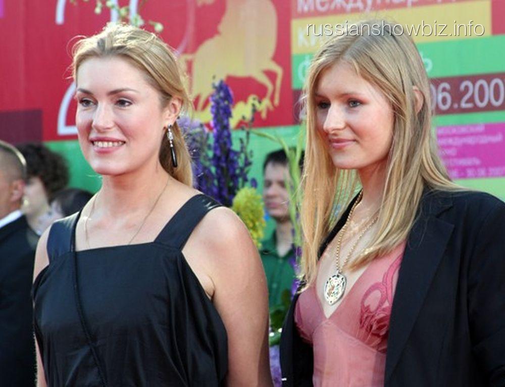 Мария и Анна Шукшины