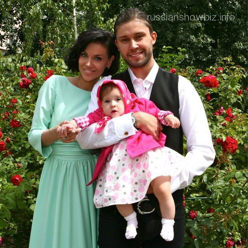 Татьяна Терешина и Вячеслав Никитин с дочкой