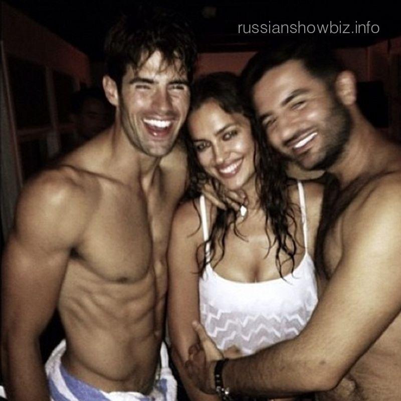 Ирина Шейк с двумя мужчинами