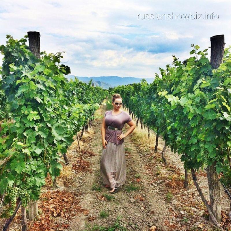 Анфиса Чехова на винограднике