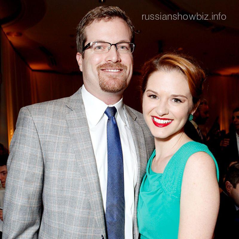 Сара Дрю с мужем