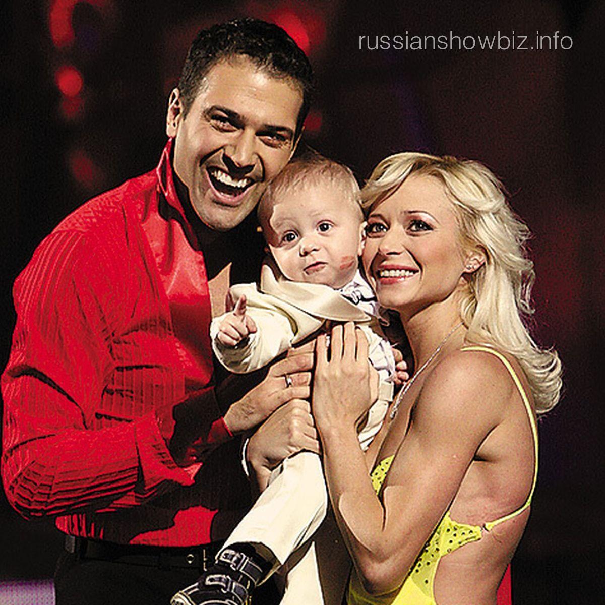 Стивен Казинс и Елена Бережная с сыном