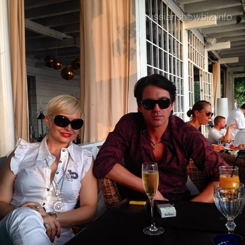 Катя Лель с  мужем