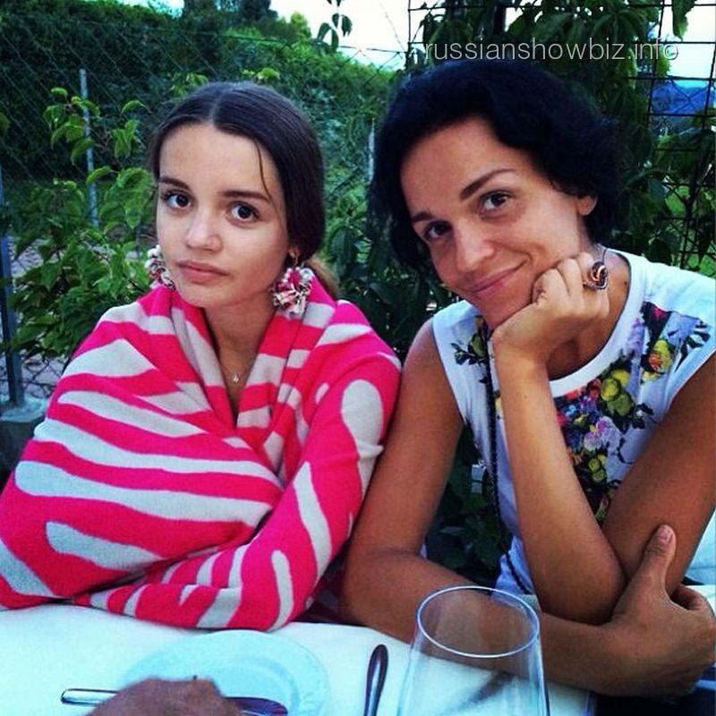 Слава с дочкой