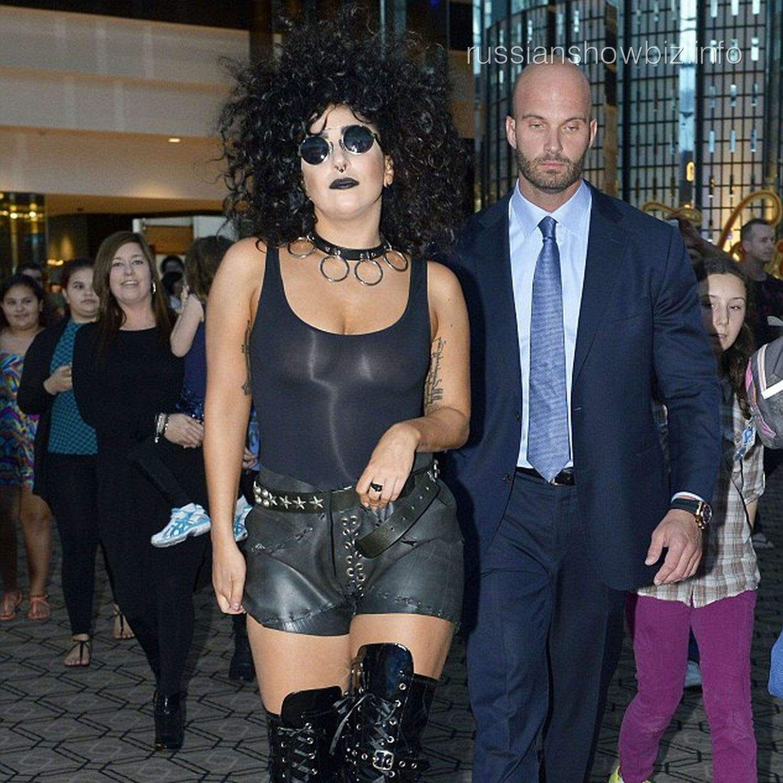 Леди Гага в образе гота