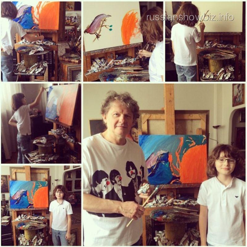Сын Анжелики Агурбаш в мастерской художника