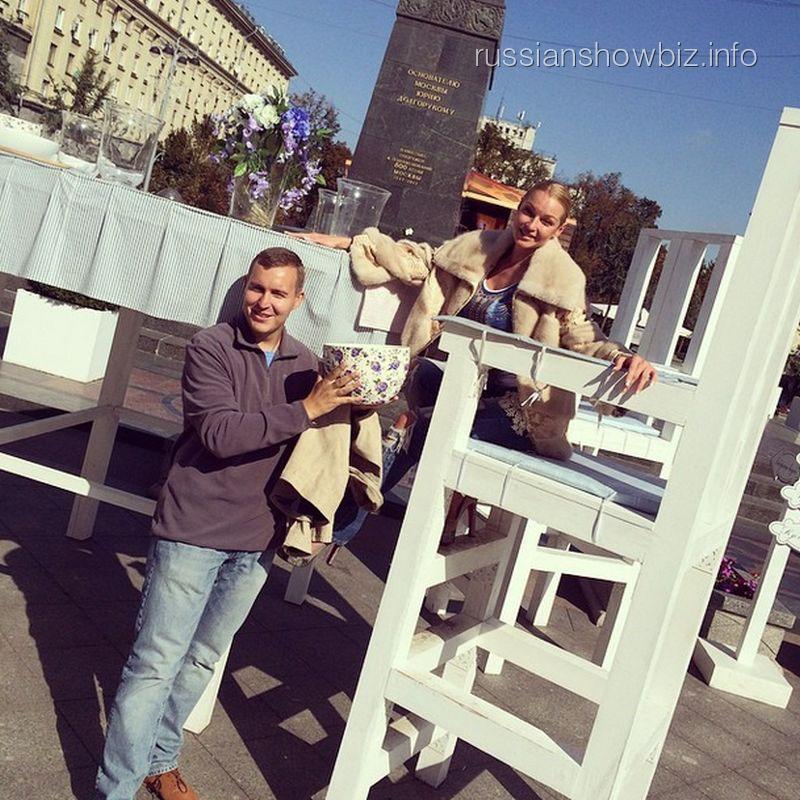 Анастасия Волочкова с другом