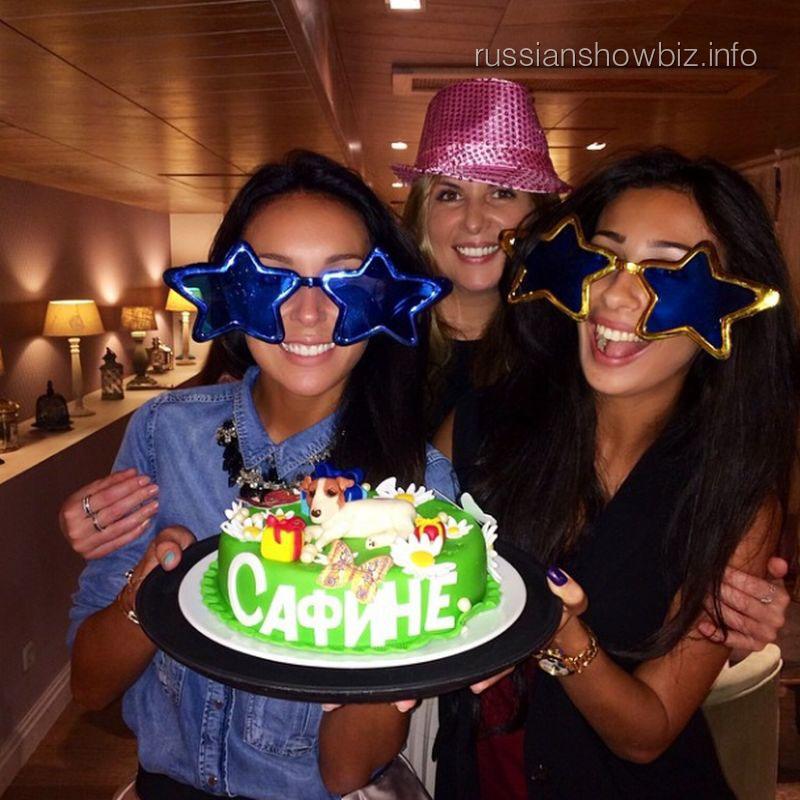 Алсу празднует день рождения дочери