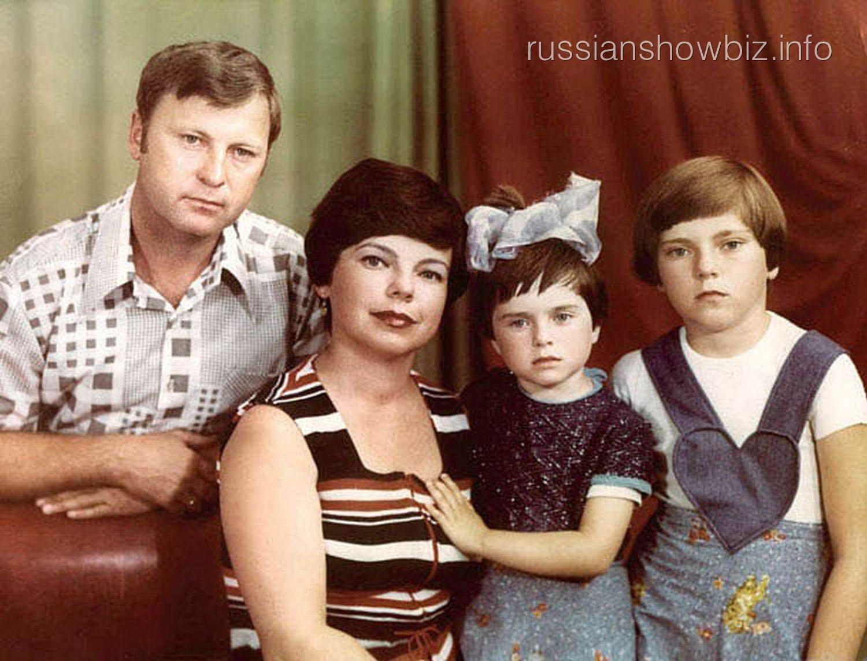 Наташа Королева с семьей