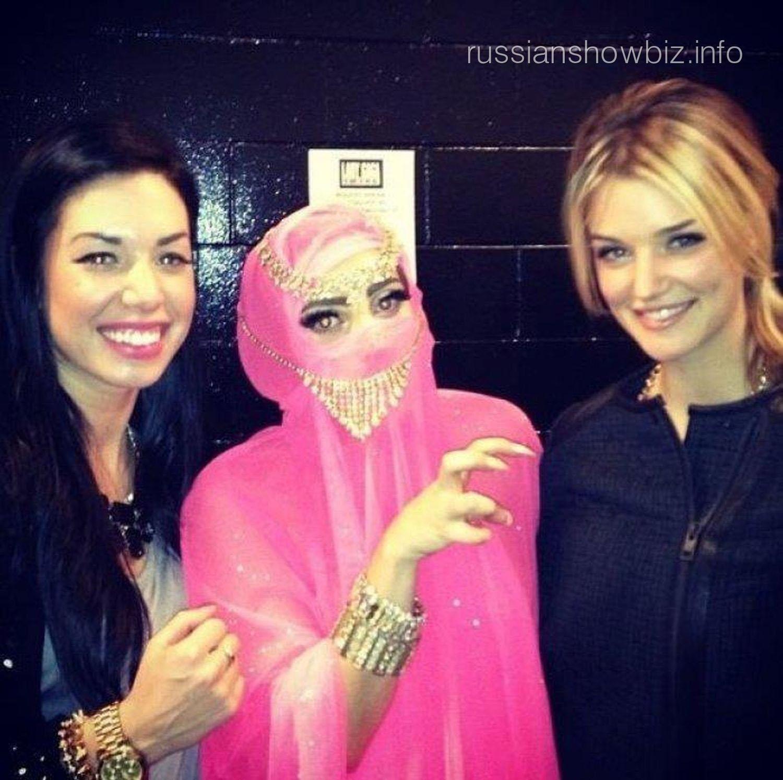 Леди Гага появилась на улицах Стамбула в хиджабе