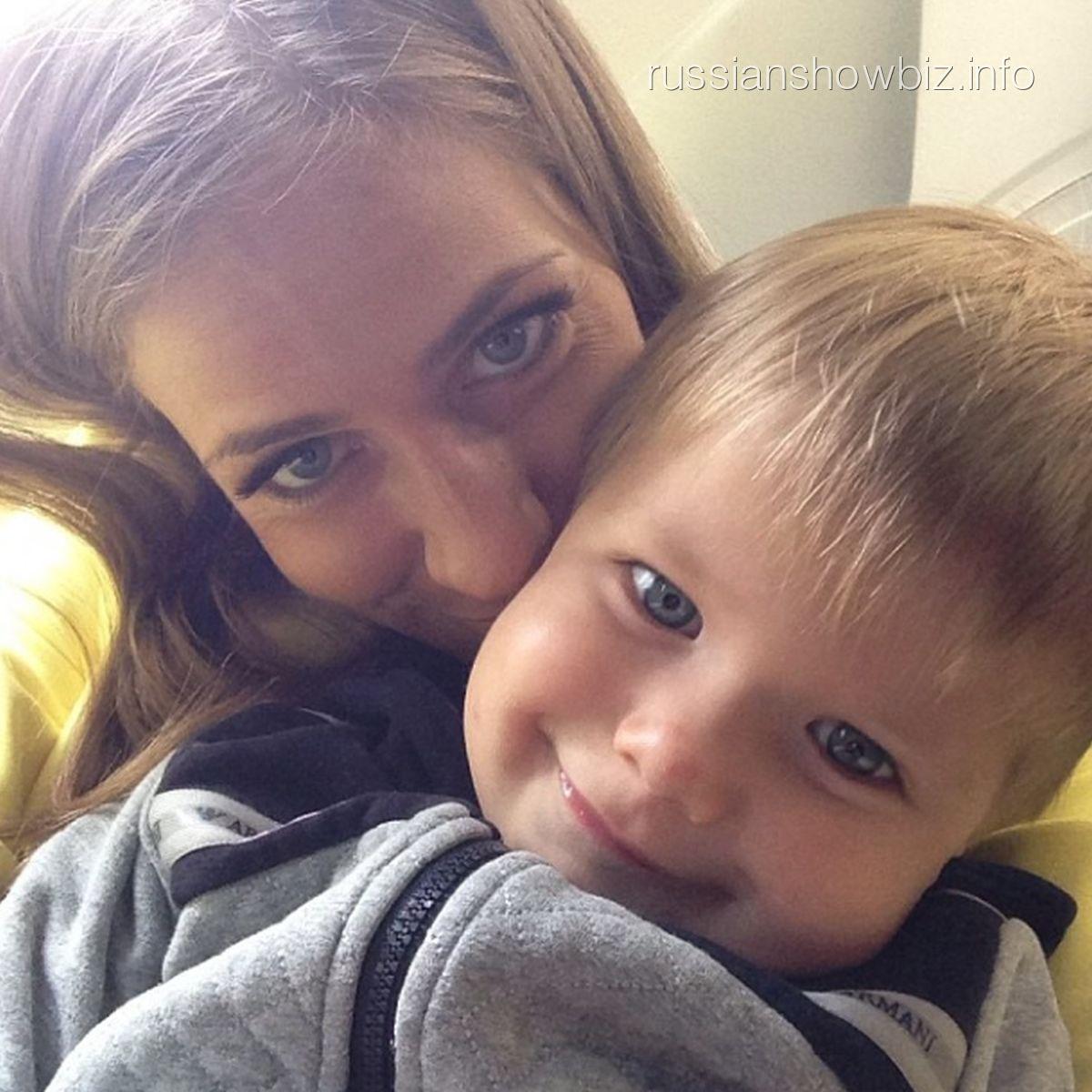 Юлия Браановская с сыном