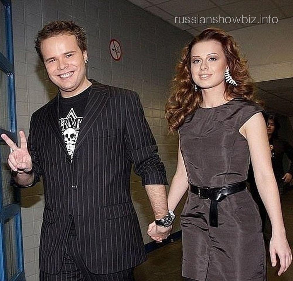 Юлия Савичева с женихом