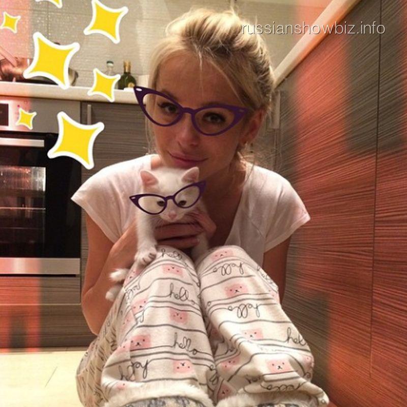 Анна Хилькеивч с кошкой