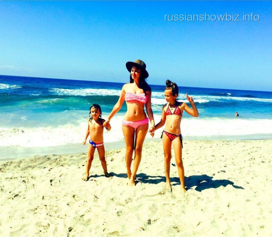 Саша Зверева с детьми