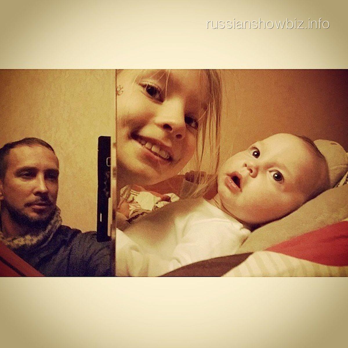 Певец Данко и его дочери
