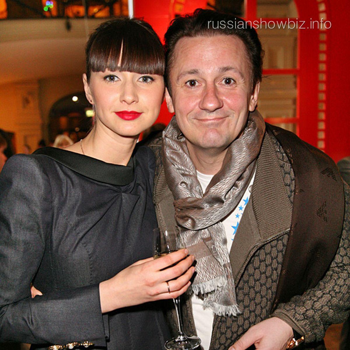 С женой в белом 12 фотография