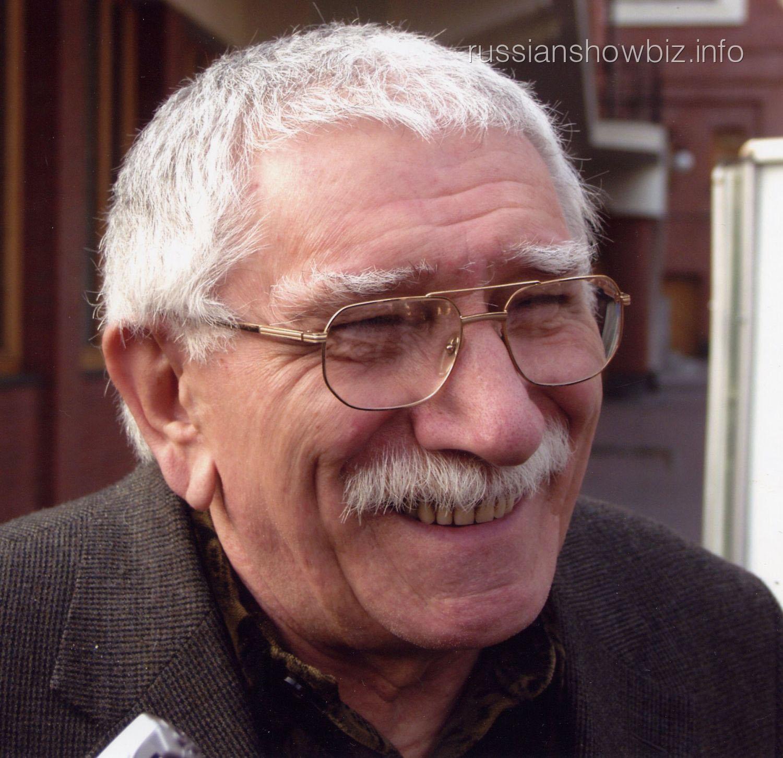 Армен Джигарханян