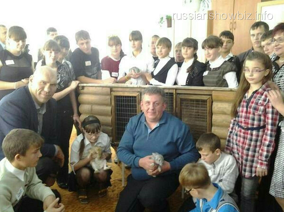 Николай Валуев в Таловском детском доме