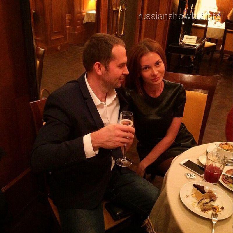 Сергей Жорин с новой возлюбленной Аленой Харламовой