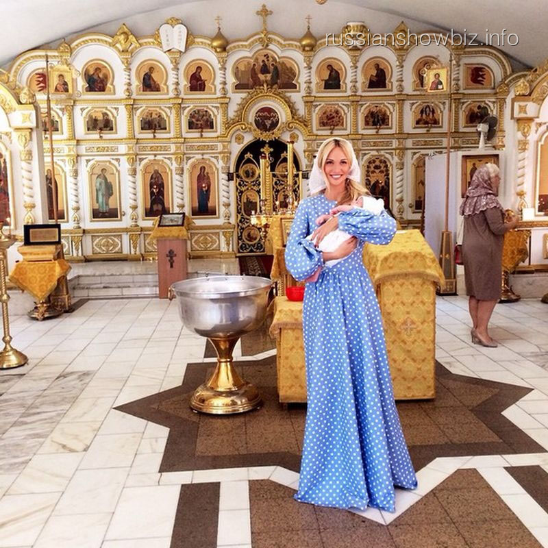 Виктория Лопырева с крестным сыном
