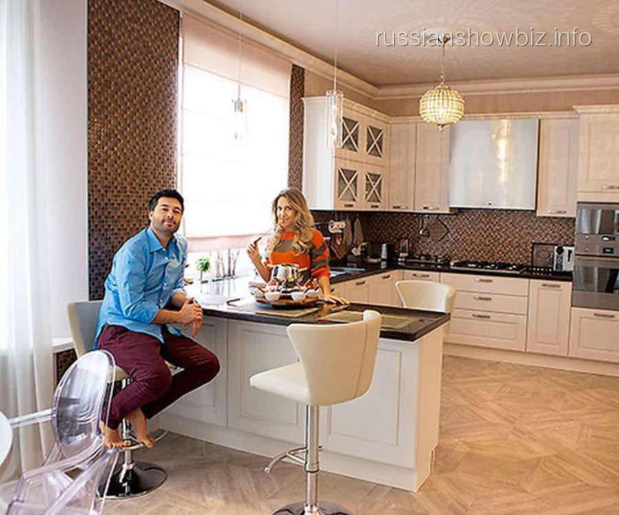Алексей Чумаков и Юлия Ковальчук в новом доме (фото - 7Д)