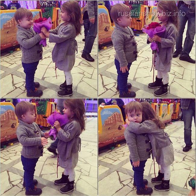 Сын Эвелины Бледанс дарит цветы дочке Виктории Бони