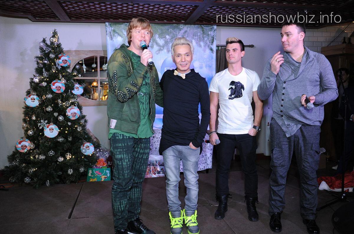 Олега Яковлева поздравляют бывшие партнеры по группе