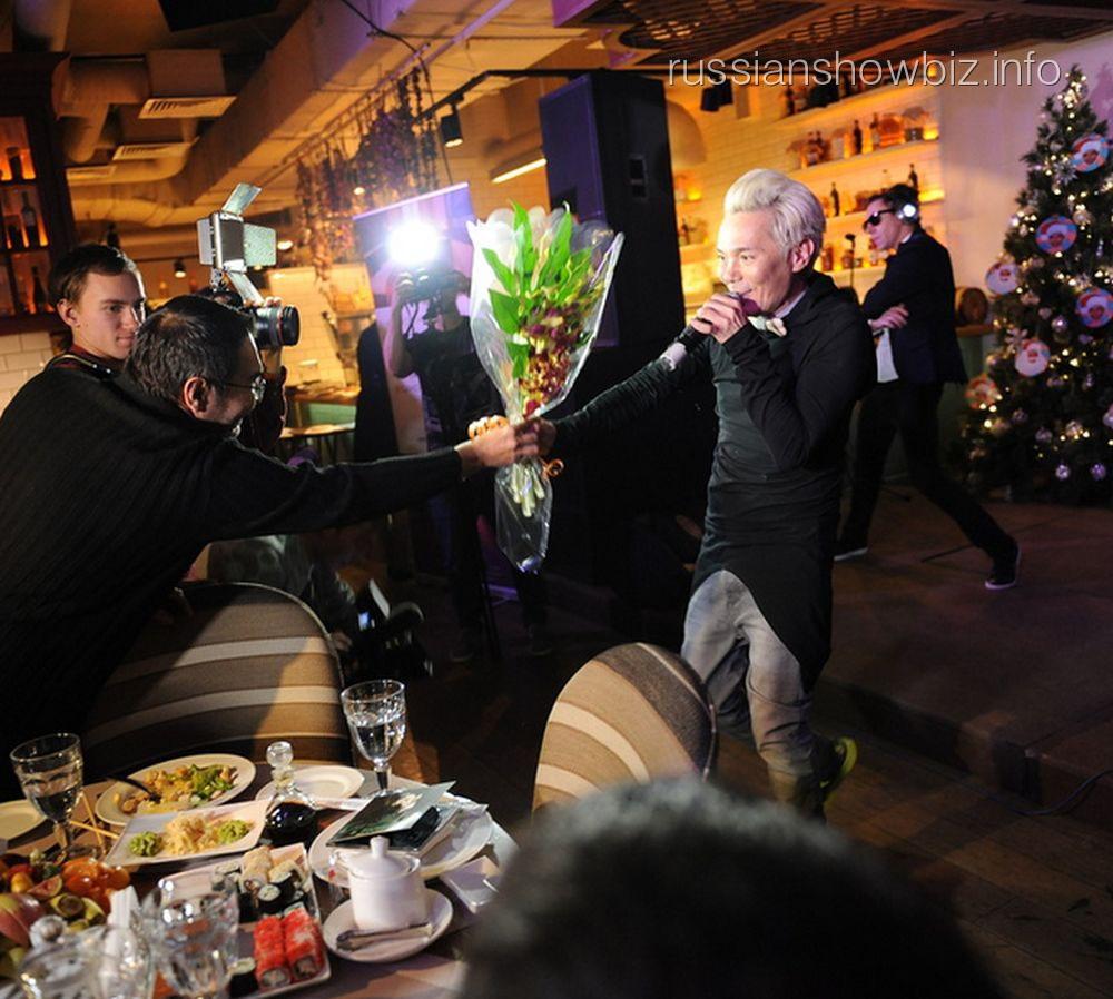 Олег Яковлев принимает поздравления