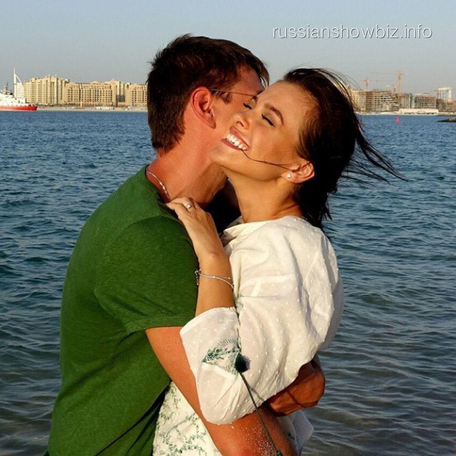 Елена Темникова с мужем