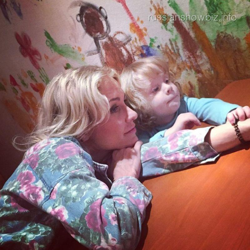 Катя Гордон с сыном