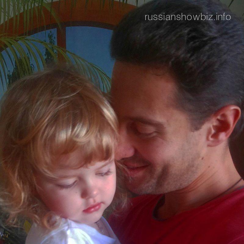 Антон Макарский с дочкой Машей