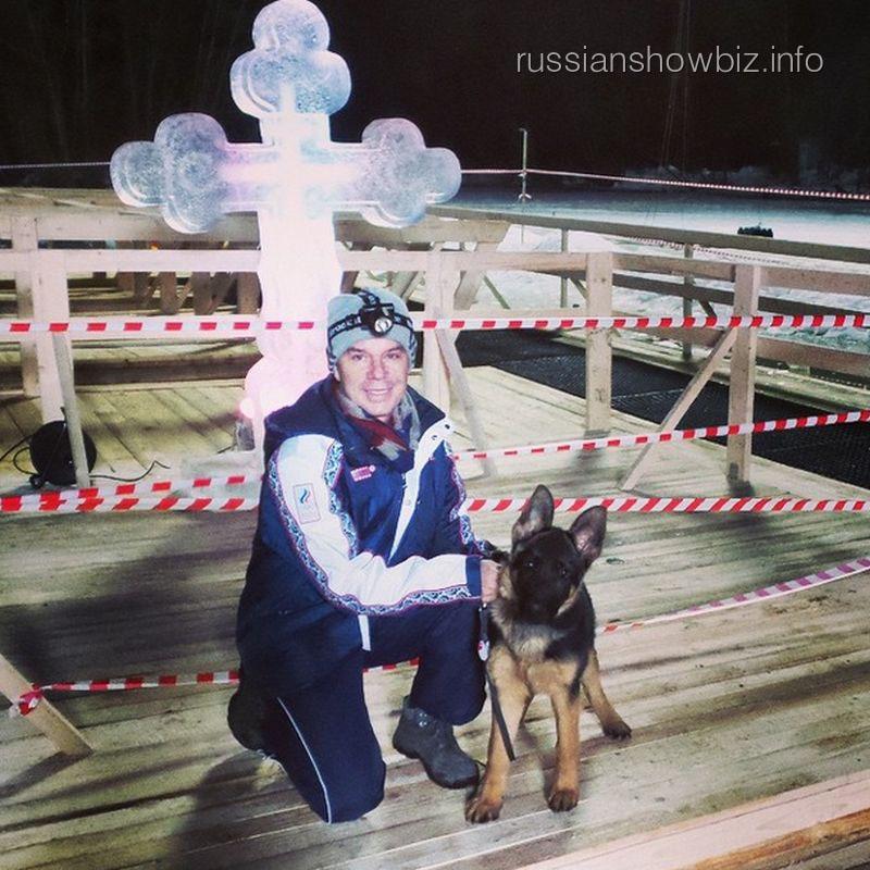 Олег Газманов возле купели