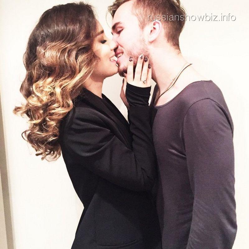 Виктория Дайнеко с возлюбленным