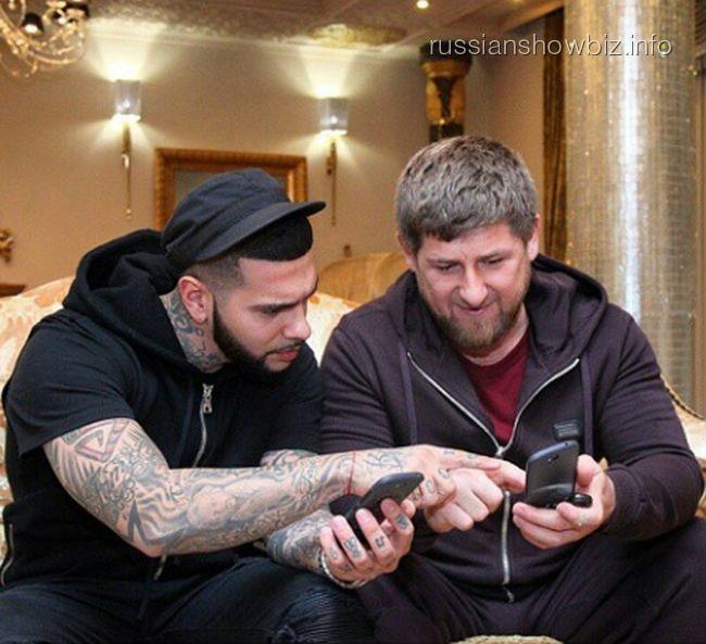 Тимати и Рамзан Кадыров изучают YotaPhone